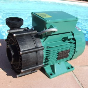 Robot piscine jd cleaner competitiv 39 1 desjoyaux poitiers for Robot piscine desjoyaux