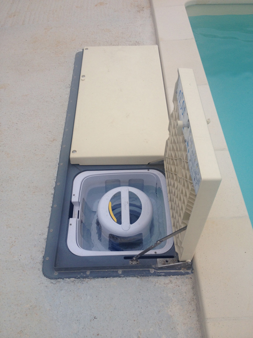Groupe filtration piscine desjoyaux id e for Bloc filtration piscine enterre