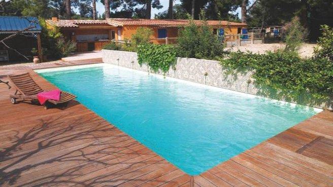 Piscinier desjoyaux vienne 86 construire une piscine en 2015 for Constructeur piscine poitiers