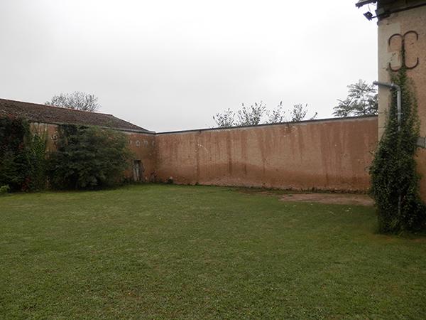 propriété vouneuil sur vienne emplacement de la piscine