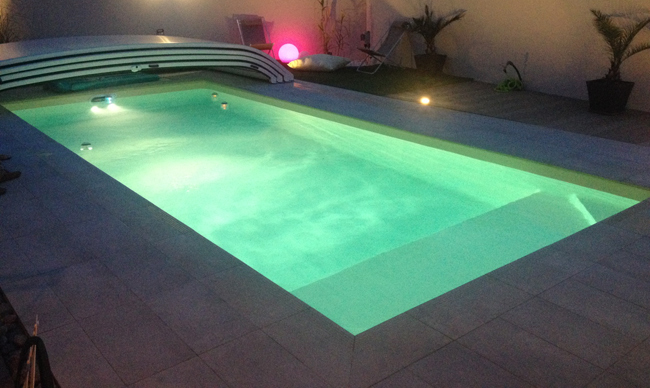 Construction piscines 86 vouneuil sous biard desjoyaux for Piscine 7x3
