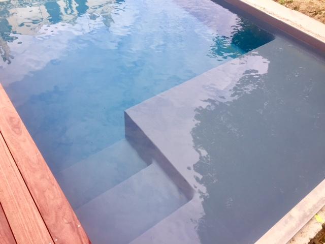 Escalier sur mesure personnalisation piscine