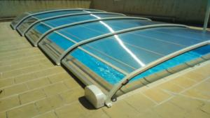 Pose d'un abri bas, protection du bassin et sécurisation