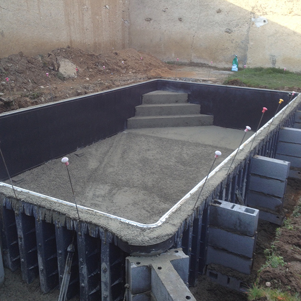 Construction piscine sur mesure vouneuil sur vienne 86 for Prix construction piscine beton