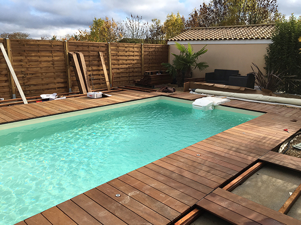 photo terrasse bois piscine elegant piscine bois avec jacuzzi intgr nice superbe ralisation. Black Bedroom Furniture Sets. Home Design Ideas