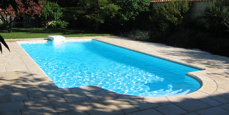 R novation de piscine changer de d cor for Piscine desjoyaux poitiers