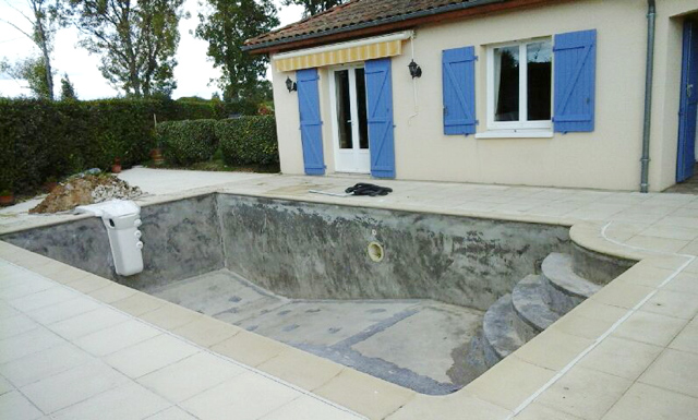 Piscine avant rénovation