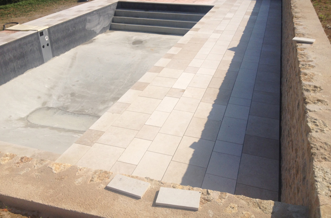 Construction piscine sur mesure b ruges 86 for Liner bassin sur mesure